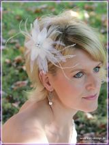 Federhaarschmuck  - Fascinator Bella in Creme